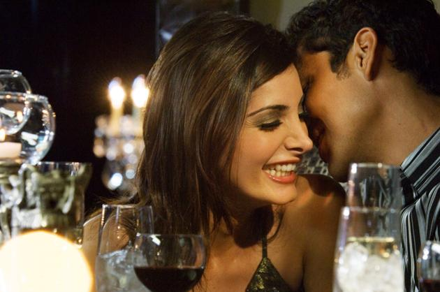 couple-flirting-whispers-main